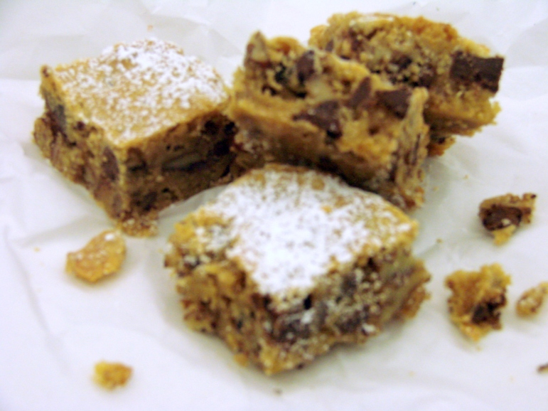 Blondies and Chaocolate Musse Torte 012